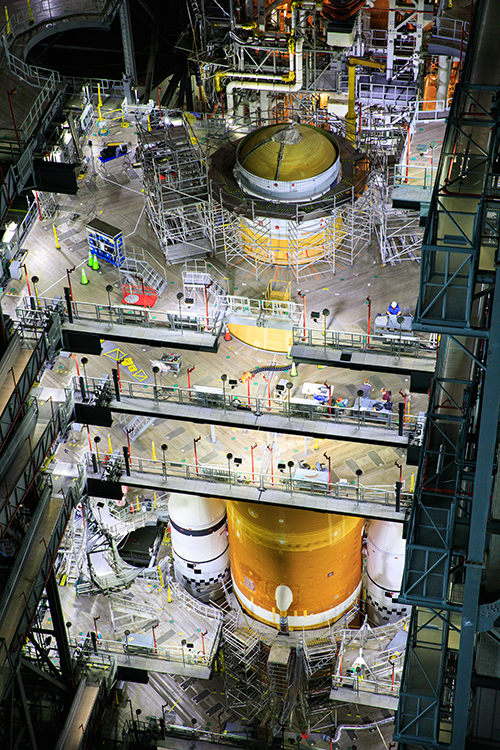 Artemis I spacecraft assembly
