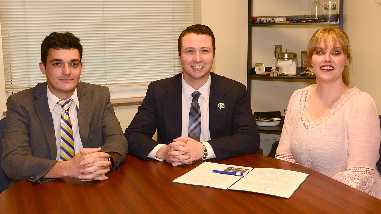 SGA and CHS sign agreement to provide more care for students
